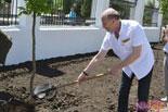 Правнук инженера Шухова приехал вНиколаев для открытия аллеи имени своего предка